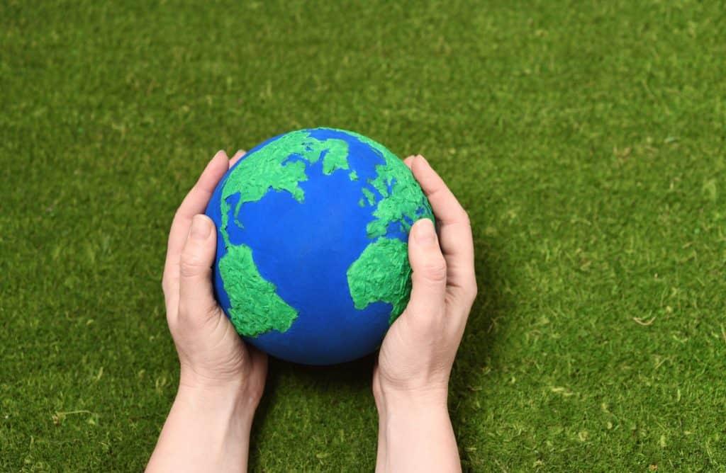 קנאביס וכדור הארץ – הפתרונות שתעשיית הנפט לא רוצה שתכירו